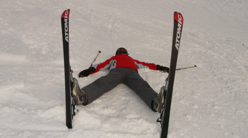 crashed skier photo from pixabay